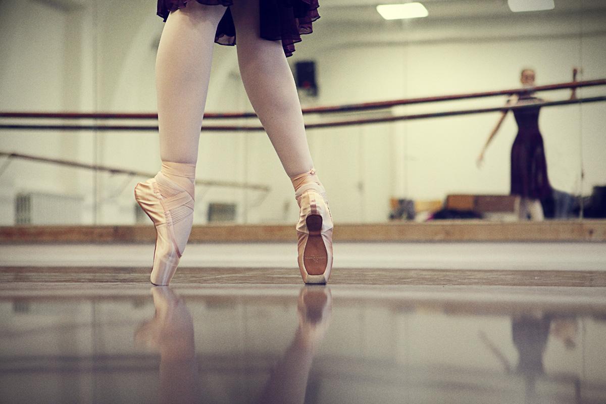 Тренировка голой балерины 6 фотография