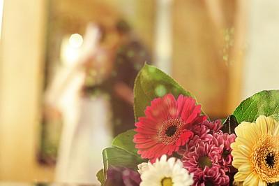 Свадебный фотограф в Чехии - Виктор Лом, съемка росписи в Ратуше, съемка свадьбы в чешском замке