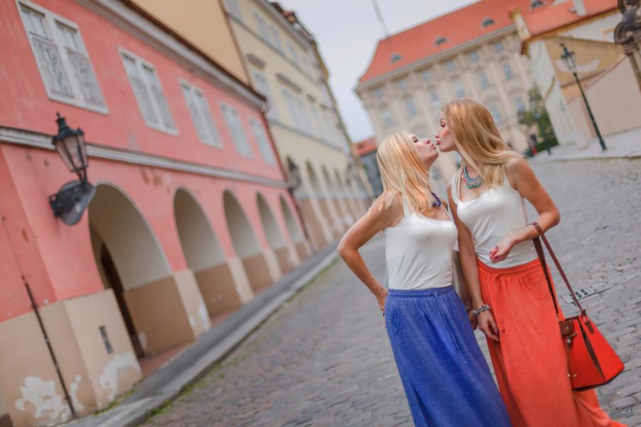 «Сёстры» Фотосессия-прогулка по Праге